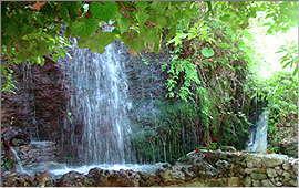 Argiroupolis: By the springs